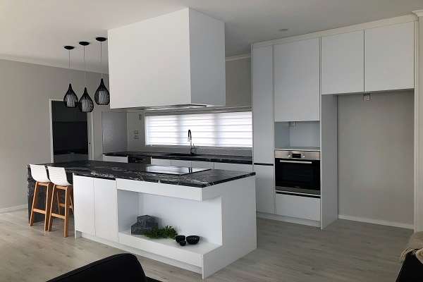 GJ-Kitchens-patumahoes-kitchen-kitchen2-20180815021351384